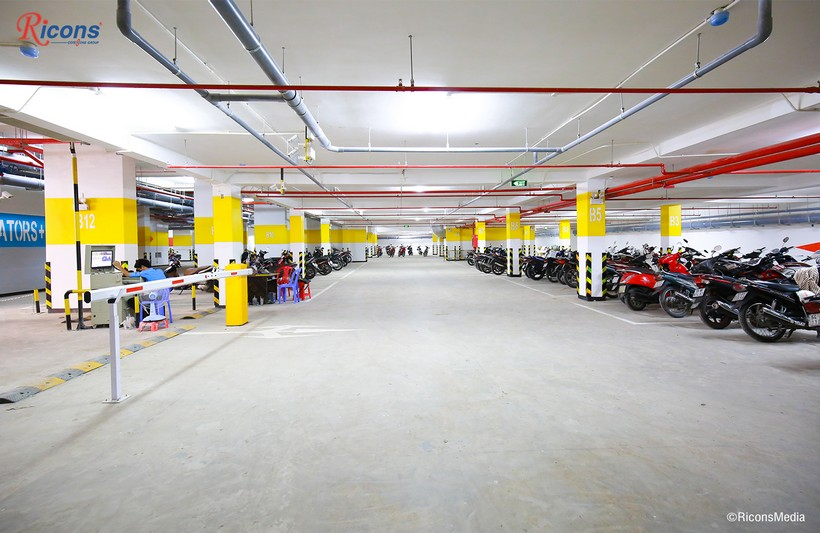 Hầm giữ xe căn hộ An Gia Star Quận Bình Tân rộng thoáng.