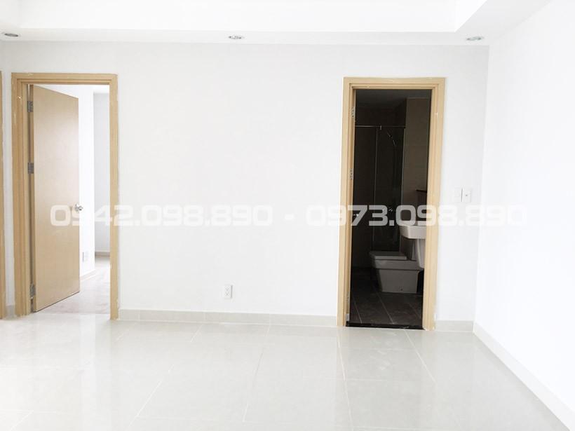 Phòng khách căn hộ An Gia Garden gạch bóng kính 6000