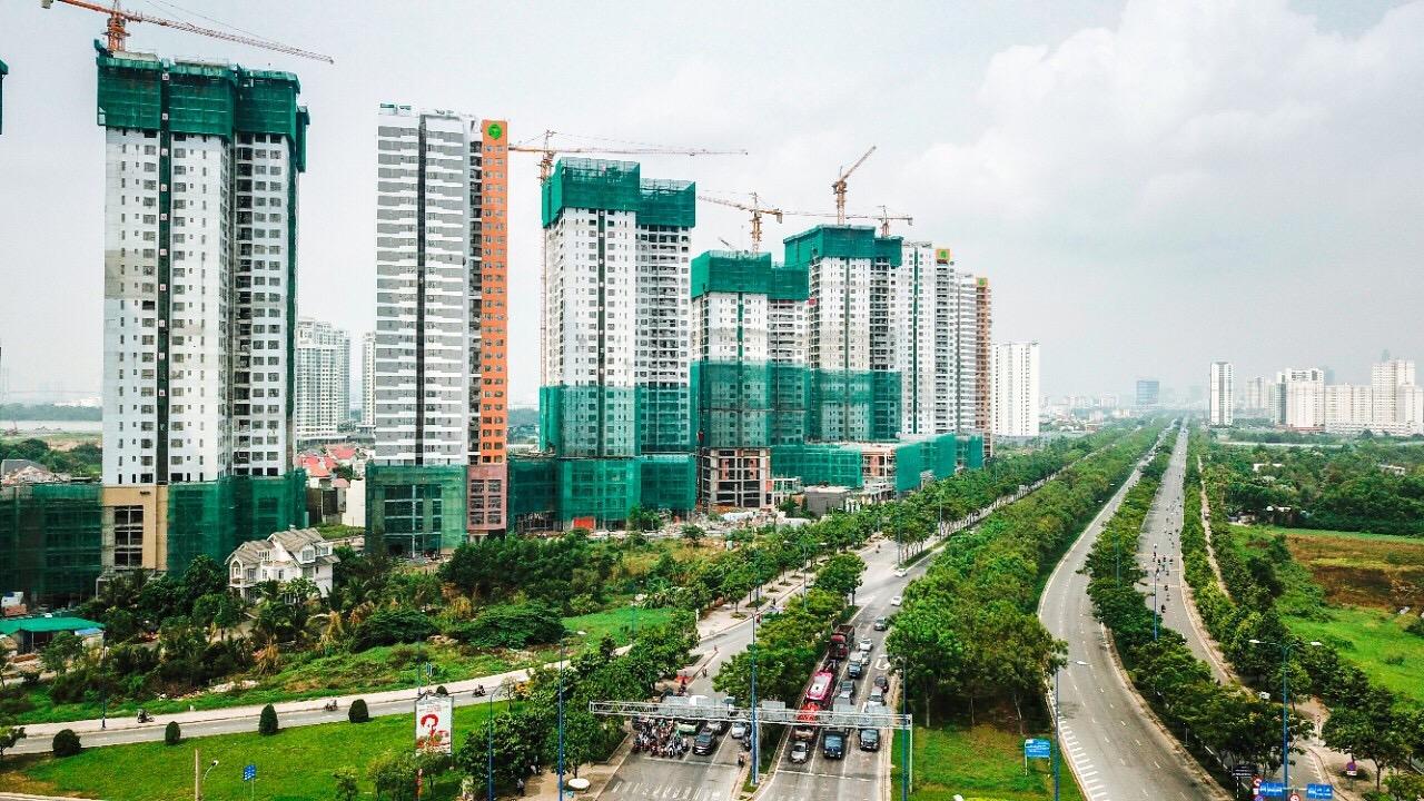 The Sun Avenue có vị trị nổi bật trên mặt tiền đại lộ Mai Chí Thọ, Q.2, đang thay đổi diện mạo từng ngày để trở thành một điểm nhấn ấn tượng về kiến trúc tại phía Đông Thành phố.