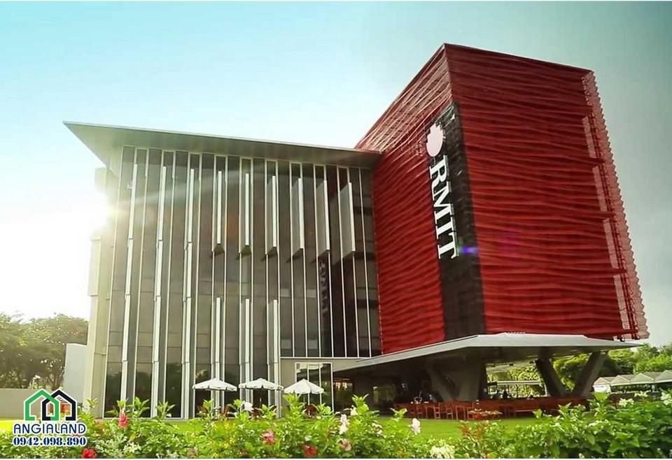 Trường đại học Rmit trên Đại lô Nguyễn Văn Linh đi qua trung tâm Phú Mỹ Hưng