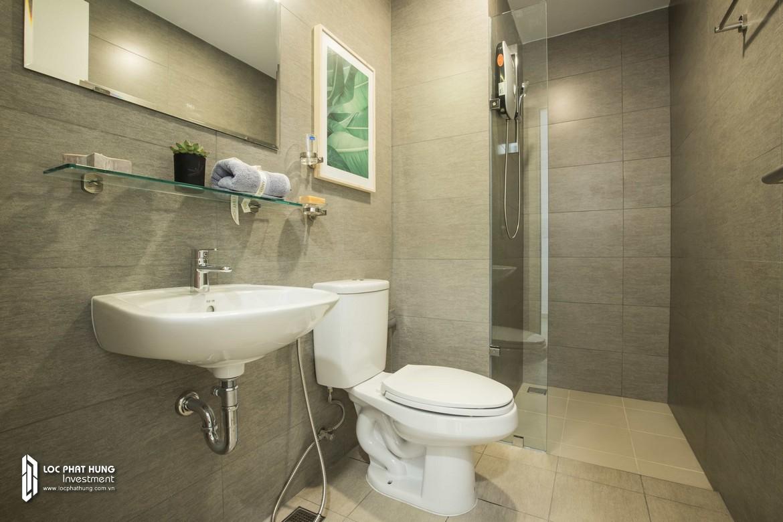 Toilet phòng ngủ 1 nhà mẫu dự án căn hộ chung cư Hausbelo Quận 9 Đường Liên Phường chủ đầu tư Ezland - Loại 2 phòng ngủ + 2 WC - Liên hệ 0942.098.890 Xem nhà mẫu thực tế.