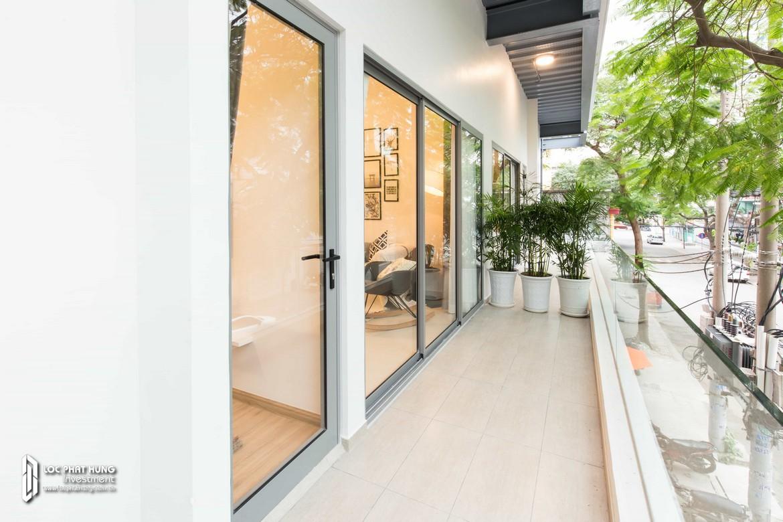 Ban công nhà mẫu dự án căn hộ chung cư Hausbelo Quận 9 Đường Liên Phường chủ đầu tư Ezland - Loại 1 phòng ngủ + 1 WC - Liên hệ 0942.098.890 Xem nhà mẫu thực tế.