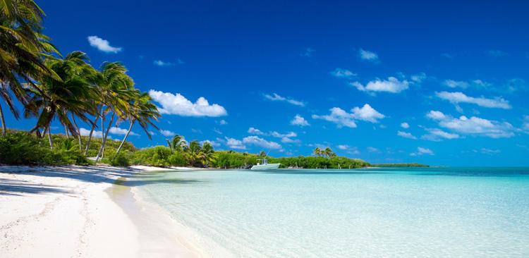 Bãi Dài với bờ biển hơn 22km thuận lợi cho phát triển đô thị biển