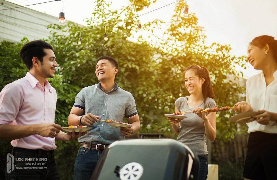 Khu tiệc nướng BBQ danh cho cư dân với các dụng cụ và lò nướng sẵn để cư dân có không gian picnic cuối tuần hoặc cuối ngày tại nội khu dự án Sunshine City Sài Gòn.