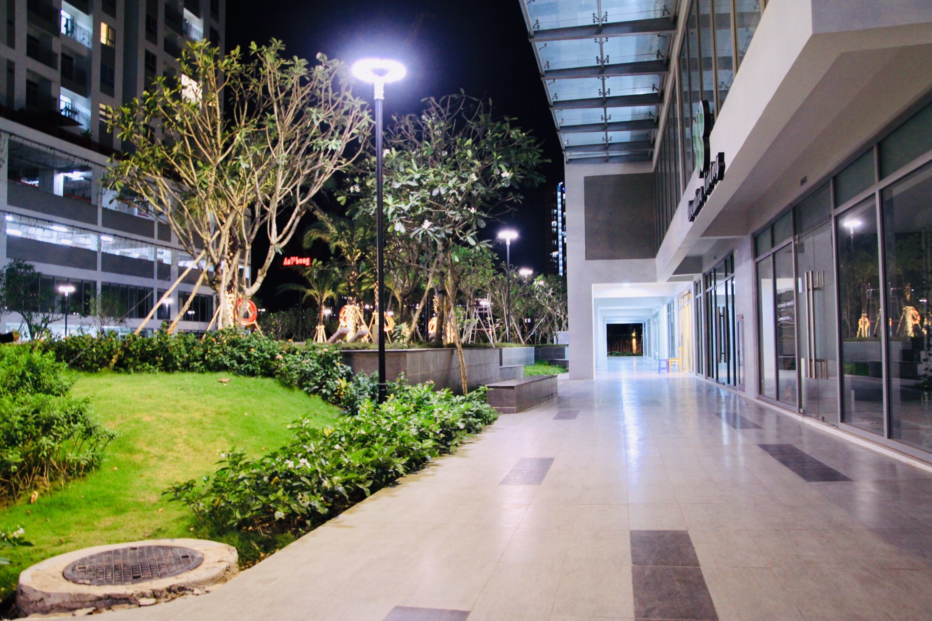 Hình ảnh khuôn viên căn hộ cho thuê Lux Garden