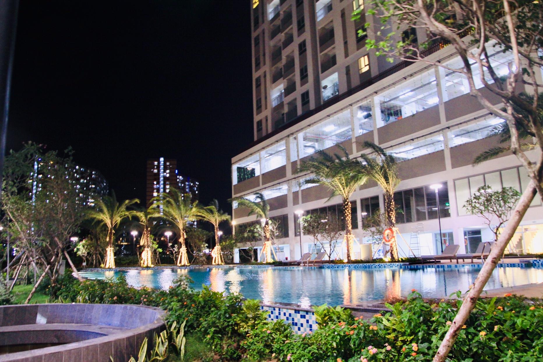Hình ảnh thực tế bể bơi lux Garden Quận 7