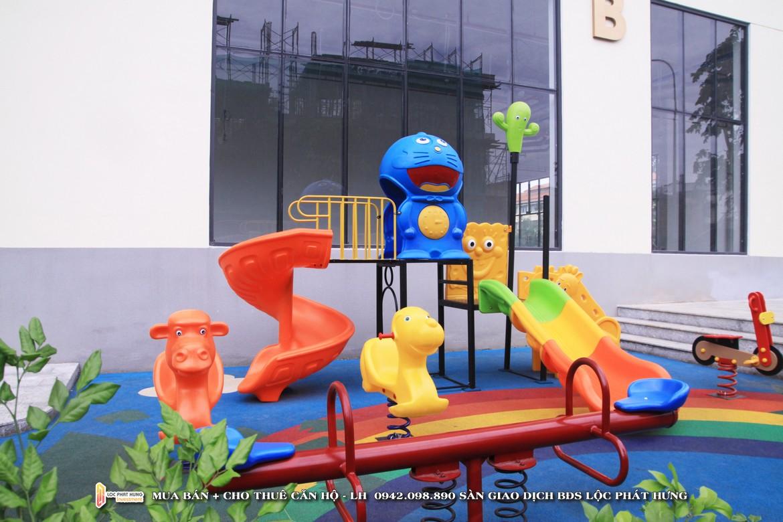 Khu vui chơi tầng trệt dự án căn hộ chung cư The Golden Star Quận 7 Đường Nguyễn Thị Thập chủ đầu tư Hưng Lộc Phát - Liên hệ SGD BĐS Lộc Phát Hưng 0942.098.890 để nhận mua bán ký gửi , cho thuê căn hộ