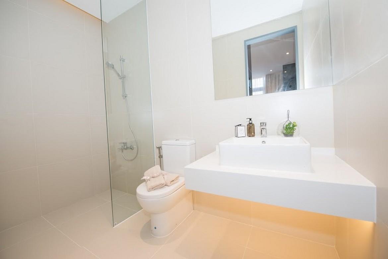 Nhà vệ sinh - Nhà mẫu căn hộ Raemian City Quận 2 . Loại diện tích: 65m2
