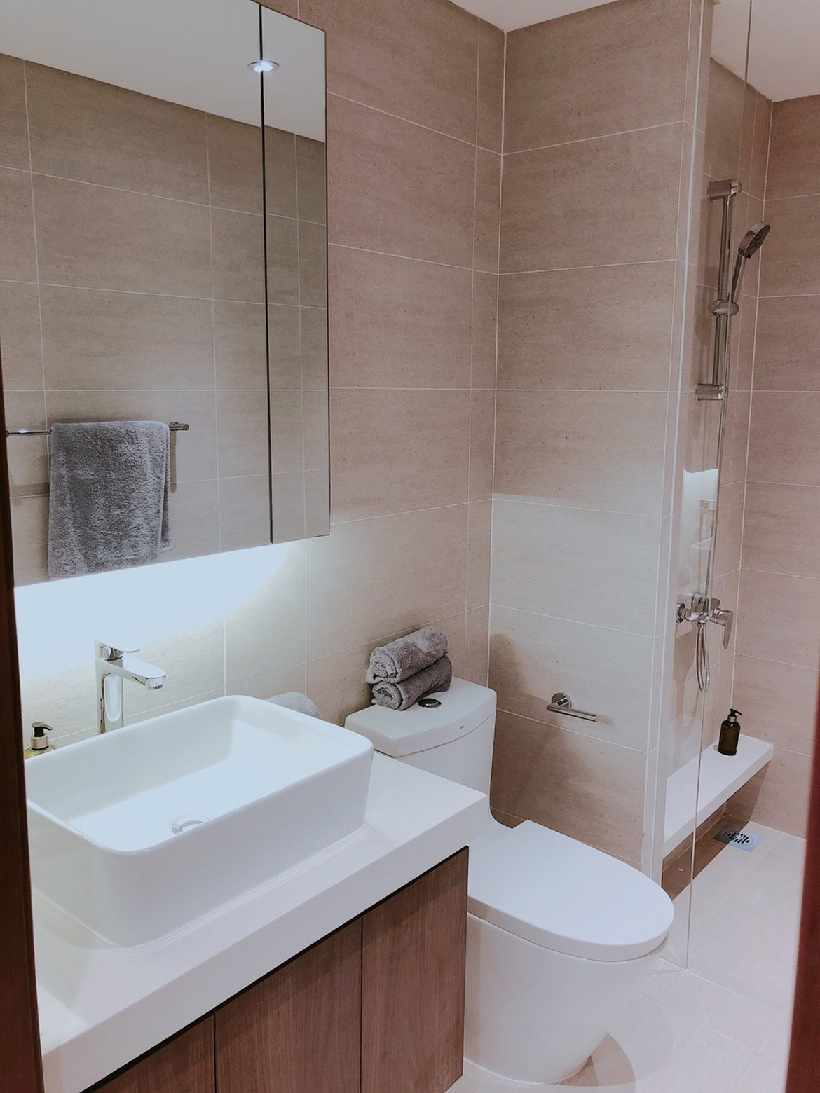 WC hiện đại trong căn hộ 3 PN