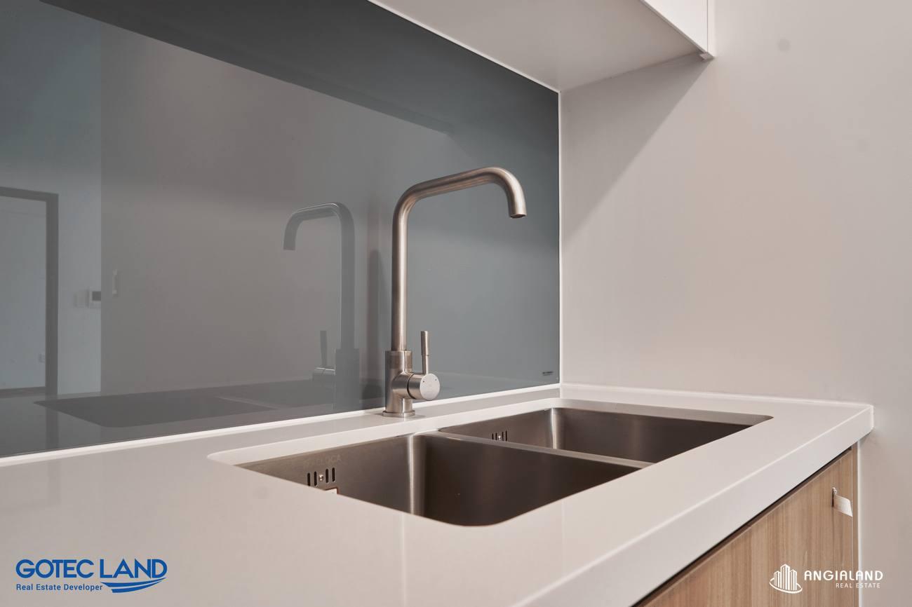 Chậu rửa Maloca, kính cường lực, tủ bếp gỗ An Cường & có vệ sinh riêng -Hình ảnh thực tế