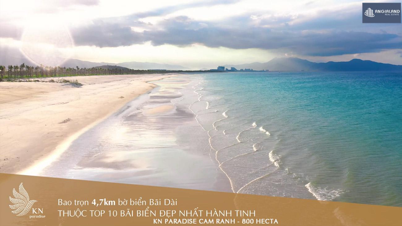 Bãi biển dài 4,7km tại dự án KN Paradise Cam Ranh được chủ đầu tư cải tạo và bảo dưỡng liên tục