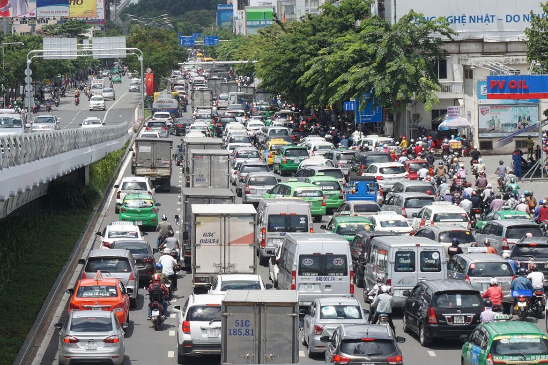 Kẹt xe ảnh hưởng đến chất lượng cuộc sống, năng suất lao động của người dân