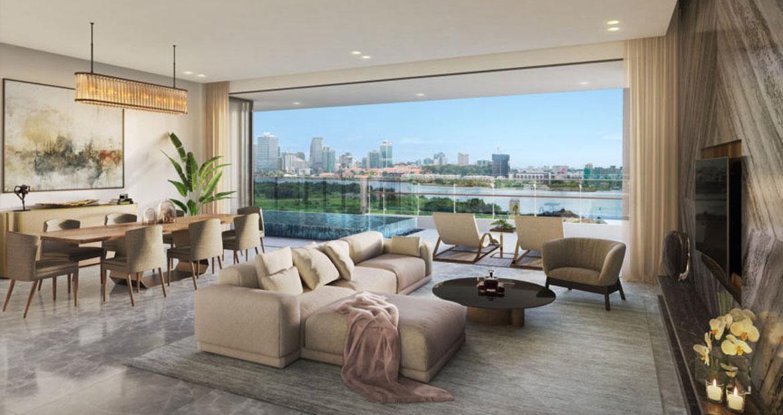 Phòng khách với thiết kế sang trọng. Kính full trần tạo tầm nhìn rộng cho gia chủ từ vị trí căn hộ