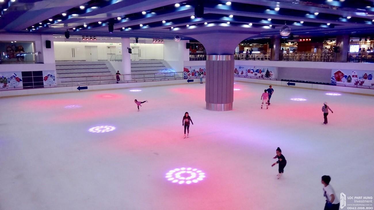 Đầu tư sân trượt băng lớn tại Sunshine Diamond River quận 7