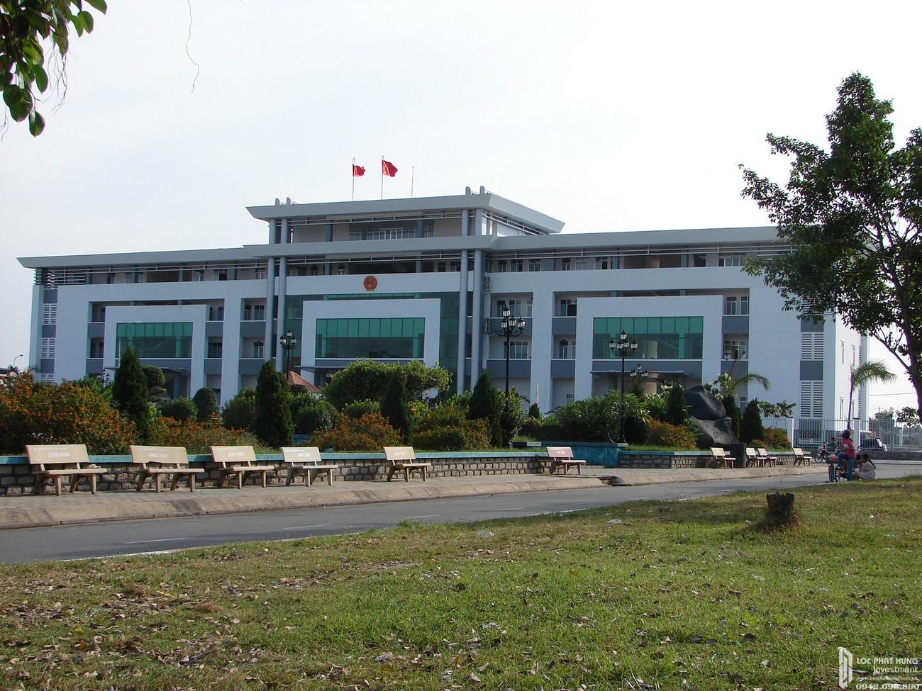 Trung tâm hành chính Dĩ An di chuyển đến địa chỉ dự án đất nền nhà phố Icon Central Dĩ An Bình Dương chủ đầu tư Phú Hồng Thịnh 10 - 15 phút