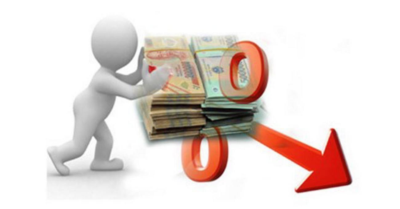 Ngân hàng giảm lãi suất gửi tiết kiệm và lạm phát tăng