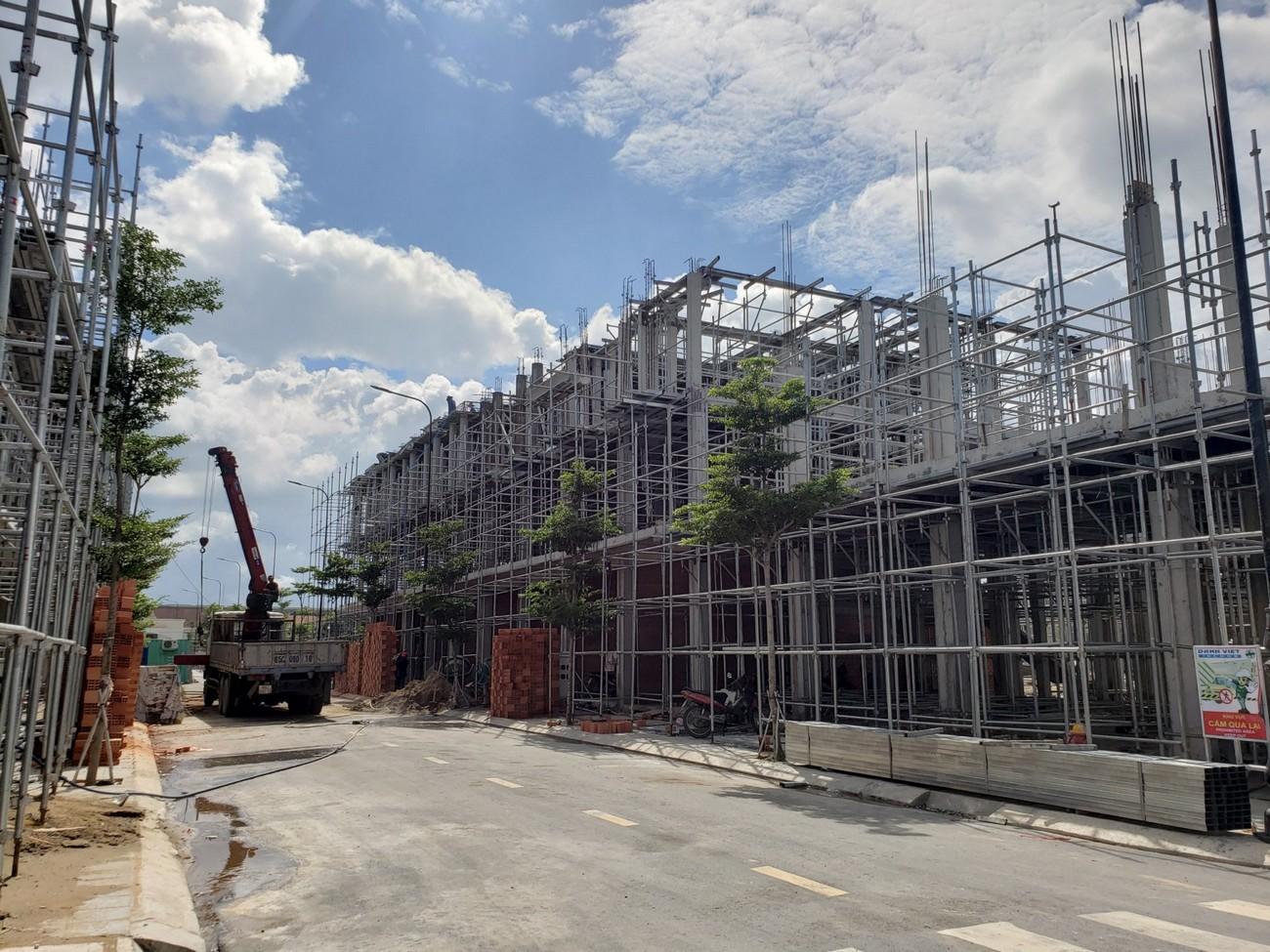 Tiến độ dự án đất nền nhà phố Icon Central Bình Dương 28/08/2020 chủ đầu tư Phú Hồng Thịnh