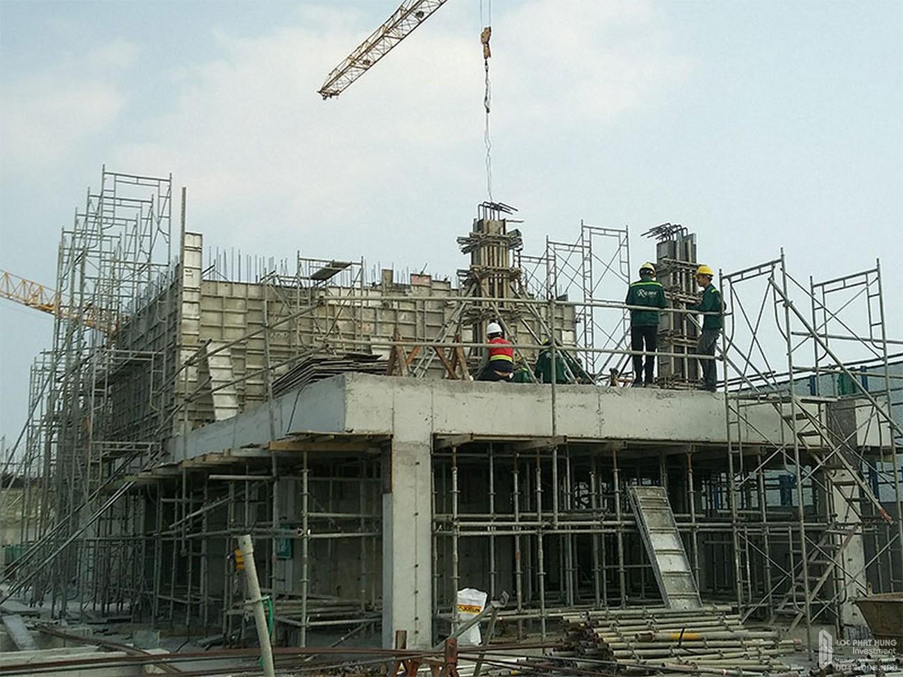 Lắp đặt Coffa cột vách tầng kỹ thuật dự án căn hộ chung cư River Panorama Quận 7 tháng 02/2020
