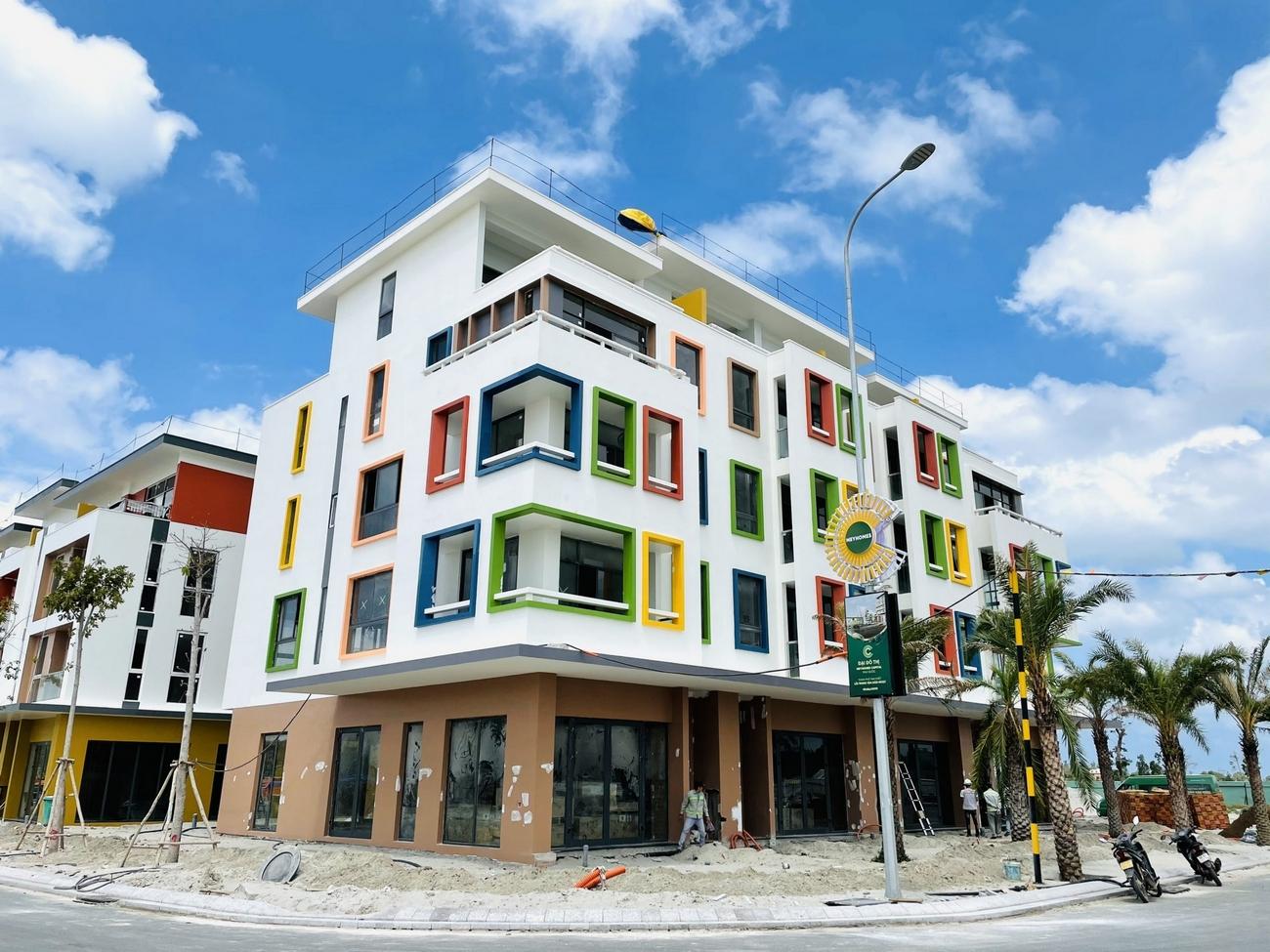 Tiến độ dự án căn hộ chung cư Meyhomes Capital Phu Quoc phu quoc Đường Trần Hưng Đạo chủ đầu tư Tân Á Đại Thành