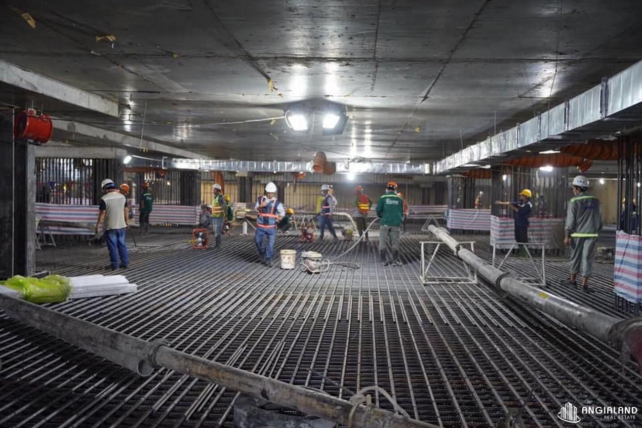 Tiến độ xây dựng dự án Grand Manhattan Quận 1 tháng 05/2021 - Có thể nói, sức nóng tại hầm B4 không thể so sánh với tinh thần quyết tâm và tập trung cao độ của tập thể hàng trăm con người tại đây.
